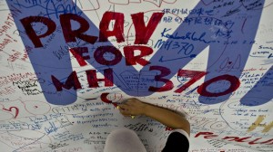 MH370 tributes